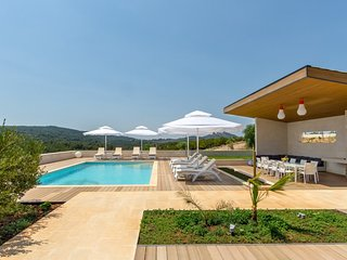 Villa Emily Hvar – Luxurious secluded villa with pool, Hvar island