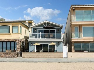 Oceanfront Along the Boardwalk - Lower Unit - Patio & Parking - 32nd St Jetty