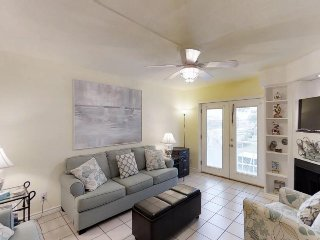 Comfy condo w/ shared pool - walk to dining & dock, beach nearby, & dogs ok!