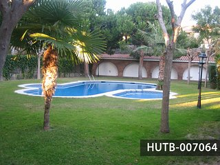 Beautiful semi-detached house in residential area Vallpineda de Sitges