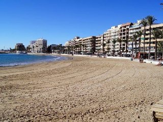 Sunny Holiday Apartment -Costa Blanca, Free Wi-Fi