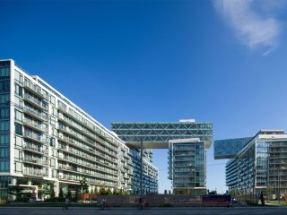 Harbourfront 1-Bed Condo in the heart of Toronto