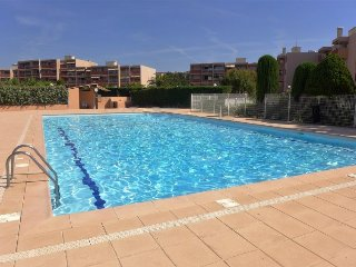 1 bedroom Apartment with Pool, WiFi and Walk to Beach & Shops - 5700064