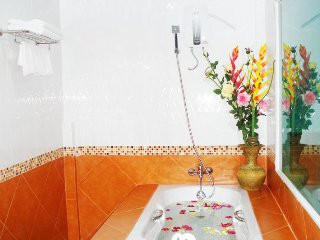 Patong Room Rental, Phuket | Inc Housekeeping, WiFi