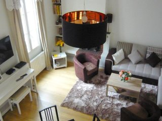 Cozy apartment in the center of Paris with Internet, Washing machine