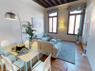 In the center of Venice with Internet, Air conditioning, Washing machine (360602