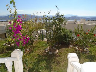 BODRUM LAKESIDE GARDEN FAMILY APARTMENT WITH LAKEVIEW & 4 SWIMMING POOLS