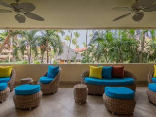 Fantastic, Recently Renovated Condo in the Heart of Downtown Cabo san Lucas. Min