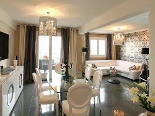 Modern luxury flat 300 m from beach