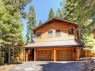 Big 3BR w/ Sunny Deck, Near Recreation Center – Minutes to Northstar Resort