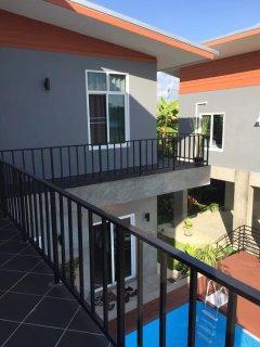 L villa balcony