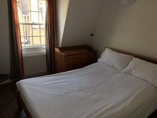 3 double bedroom, 2 bathroom mews house near Oxford Street and West End