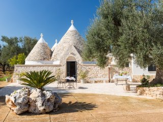 Trullo Oron, Very far from the 'Usual'