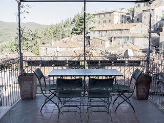 Spacious villa with terrace & Wifi