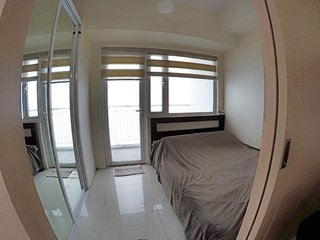 Deluxe SMDC Wind Residence 2 Bedrooms and 2 Bathrooms with Wi-Fi and Cable TV