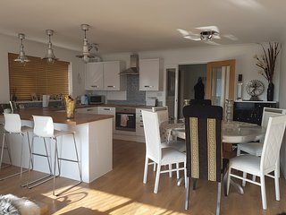 2 Bed Apartment Mudeford Close to Beach & Quay