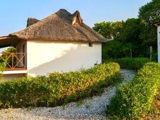 Beachside villa in Senegal w/views