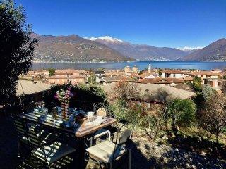 Steffi villa in Germignaga with garden and lake view