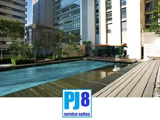 PJ8 Service Suite Near Train Station with Pool View