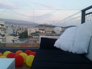 Downtown Penthouse with Private Hot Tub and Acropolis View