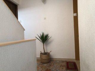 Nice apt with balcony & Wifi