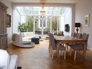 Keizersgracht Residence - Honeymoon Garden Suite
