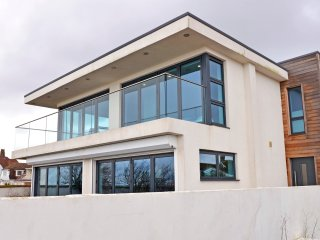 Beach Dream - contemporary beach house with panoramic views for up to 6 people