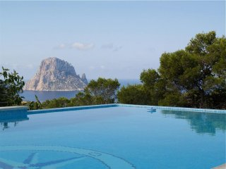 Villa Vedra for 8 guests, with views of the sea and Es Vedra island! Catalunya C