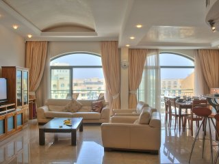 Marina View Luxury Apartment