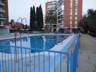 Centro de Torremolinos con piscina cerca de la playa, facil aparcamiento