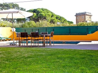 Monte Estoril Sun - with private garden and heated pool