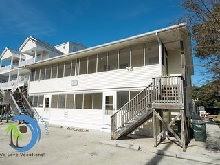 Four Beach Fun Villa! Steps to the Beach! Pet Friendly!