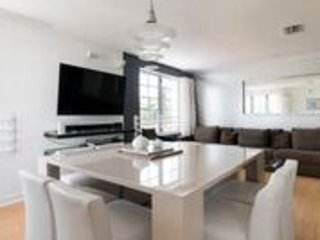 Modern, Luxury, 2 Bedroom (3 beds) on Ocean Drive