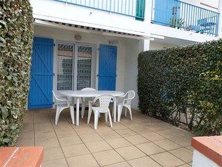 Appartement au rez de chaussee d'une residence a 100 m de la mer