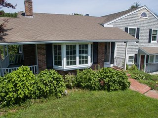 Classic Cape Cod getaway near the beach w/ fireplace, patio, & gas BBQ!