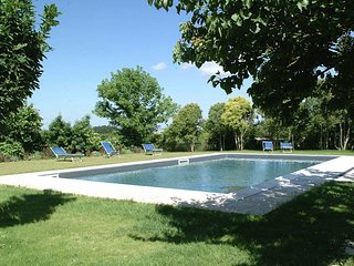 San Martino Villa Sleeps 4 with Pool Air Con and WiFi - 5228393