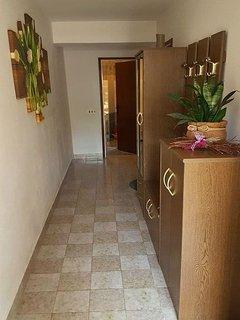 A1(3+1): hallway
