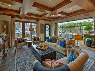 NEW! Luxury 5BR Newport Beach Home -Walk to Shore!