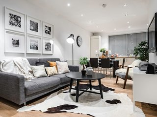 Centre of Soho - Amazing 2 bedroom flat