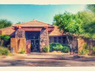 Furnished Scottsdale Golf Course Luxury Resort w/ Five Star Amenities