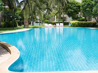 Own Beach Villa 6 beds Boost Price up to 4 guests!