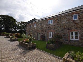 PHILL Barn in St Ives