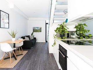 Hip one-bedroom house in inner Sydney