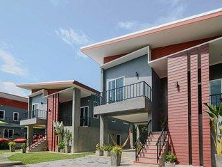 Villa Rajapruek- 6 Bedroom Private villa with Arrival  airport transfer