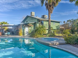 'Vegas Oasis' Home w/Pool & Spa-7 Miles to Strip!