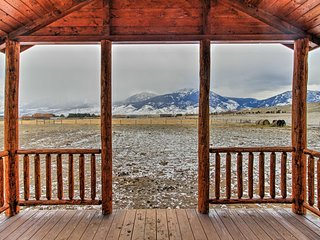 Paradise Valley Cabin by Chico & Yellowstone Park!
