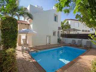 Katerina 2 Bedroom Luxury Villa within walking distance to the beach