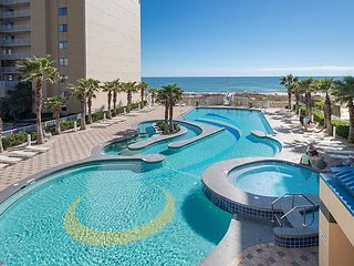 Crystal Tower 2BR w/ Balcony, Gulf Views & Resort Pool w/ Lazy River