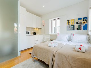 RENT4REST MOURARIA LISBON APARTMENTS - STUDIO 2