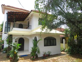 47- Spacious 3 Bedroom Private Villa, Saligao, Sleeps 7  Free WiFi